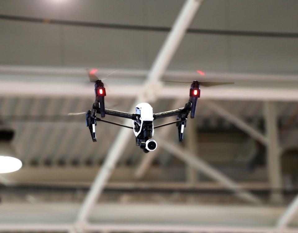 filmy promocyjne z drona filmowanie dronem filmy reklamowe z drona toruń